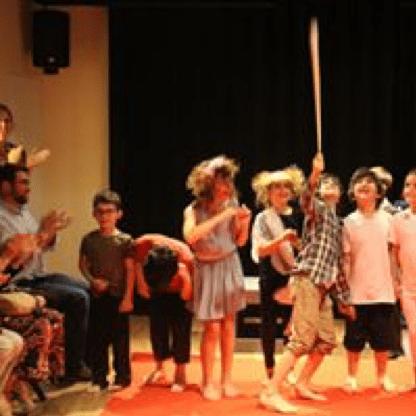 criancas-teatro